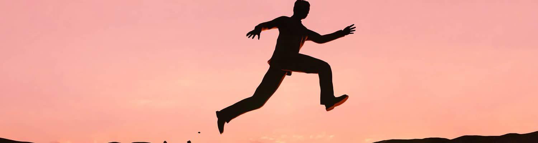 Qué-tres-mensajes-debe-transmitir-tu-Currículum-jump